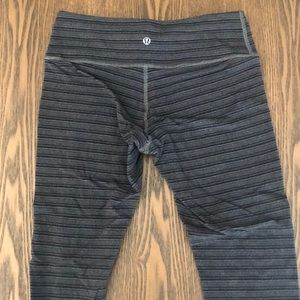 lululemon athletica grey striped crop leggings 6